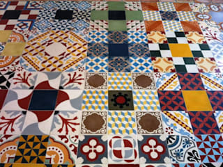NATURAL FLOOR Suelo hidráulico Eclectic style walls & floors