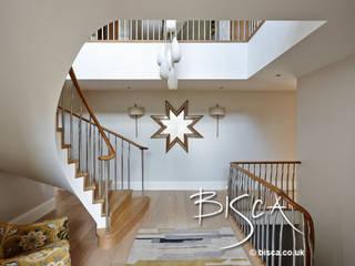 New Build Staircase 3502 Bisca Staircases Pasillos, vestíbulos y escaleras de estilo moderno