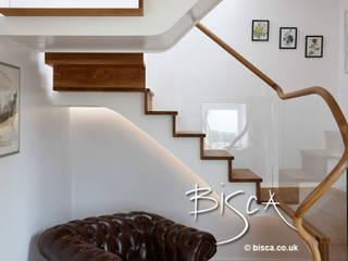 Clock Watching 3867 Bisca Staircases Pasillos, vestíbulos y escaleras de estilo moderno