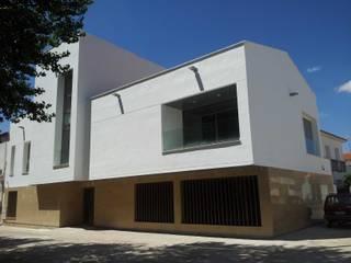 Nueva Casa Concistorial : Edificios de oficinas de estilo  de giacomodeluca_arquitecto