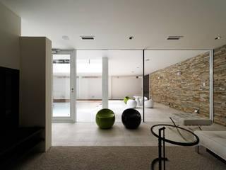 IST PRIVATE RESIDENCE モダンな 家 の METAPH建築設計事務所 / METAPH ARCHITECT ASSOCIATES モダン