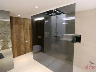 5.2 Privathaus Kremstal Moderne Badezimmer von altholz, Baumgartner & Co GmbH Modern