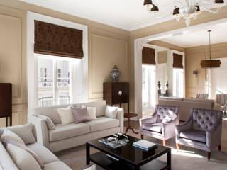 غرفة المعيشة تنفيذ Roselind Wilson Design,