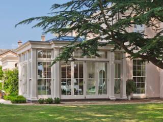 Orangery with Bi-fold Doors Konservatori Klasik Oleh Vale Garden Houses Klasik
