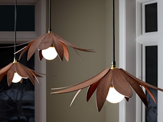 Lotus Pendant Light por MacMaster Design Moderno