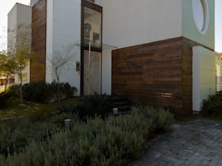 modern  oleh Mantovani e Rita Arquitetura, Modern