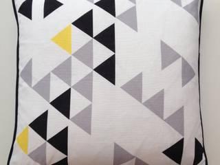 Polygon cushion by A Mind's Eye An Artful Life HogarArtículos del hogar