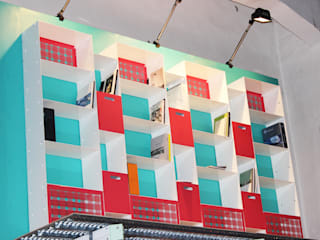 Libreria PRIMA:  in stile industriale di Officine Tamborrino, Industrial