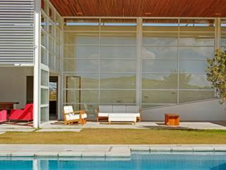 Casa de Vidro Casas por Reinach Mendonça Arquitetos Associados