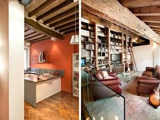 Casa Vecchi: Soggiorno in stile in stile Moderno di Pier Maria Giordani Architetto