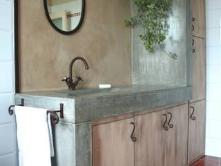 Salle de bain de style  par Architetto Luigi Pizzuti