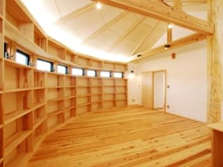 Library-house: WOOD PROが手掛けた書斎です。,オリジナル