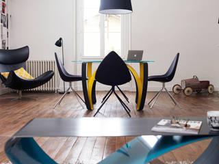 Table basse Infini (coffee table Infini) par Coco Steel Moderne