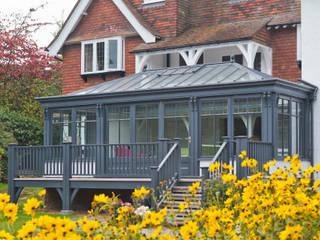 Living Room Conservatory with Veranda Konservatori Modern Oleh Vale Garden Houses Modern