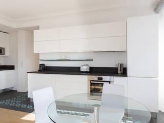 Cocinas de estilo minimalista de Agence Manuel MARTINEZ Minimalista