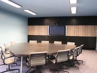 Espaces de bureaux modernes par WAF Architekten Moderne