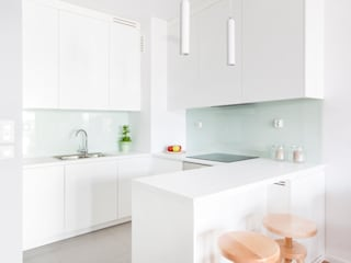 minimalistic Kitchen by MEEKO Architekci