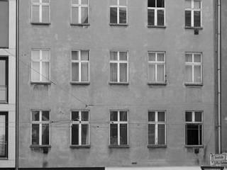 Umbau und Dachgeschossausbau Wohn- und Geschäftshaus Alte Schönhauser Straße, Berlin-Mitte: modern  von WAF Architekten,Modern
