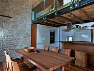 Rustico ( Polcenigo PN ): Cucina in stile  di GRAPHOS_DS
