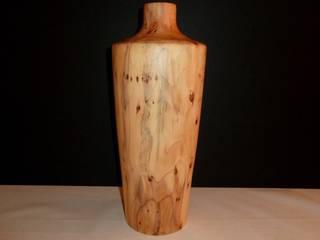 Vase en bois tourné :  de style  par veltz ébénisterie