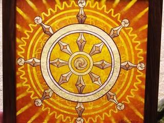 Dharmachakra en grisaille et jaune d'argent par Atelier VFP Éclectique