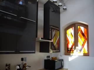 Vitrail dans cuisine par Atelier VFP Moderne