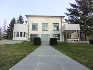 H43 - Bauhaus Villa on the lake shore tredup Design.Interiors Modern Houses