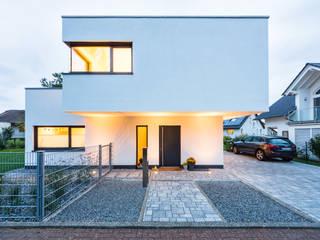 Balanced House - Einfamilienwohnhaus in Weinheim Helwig Haus und Raum Planungs GmbH Moderne Häuser