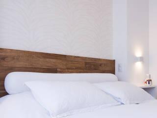 ArkDek Eclectic style bedroom