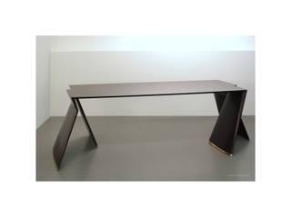 Schreibtisch aus Wengeholz :   von Möbeldesign