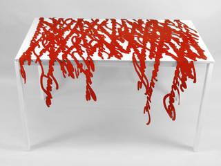 Speech in rosso:  in stile  di Camilla Fucili Design