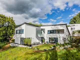 Z House, Single Family home in Seeheim, Germany 모던스타일 주택 by Helwig Haus und Raum Planungs GmbH 모던