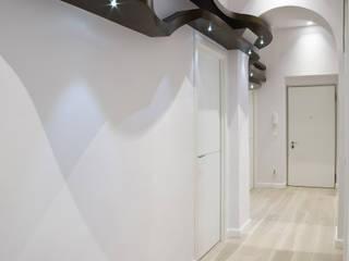 _M2 Home_: Ingresso & Corridoio in stile  di Alessandro Multari Ingegnere - I AM puro ingegno italiano