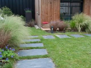 Entre ciel et terre anne-mie aerts Jardin moderne