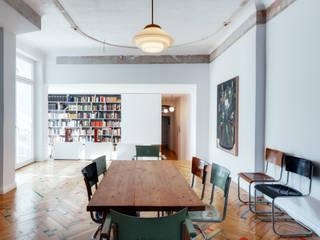 Flat in Prenzlauer Berg I:  Wohnzimmer von Ringo Paulusch