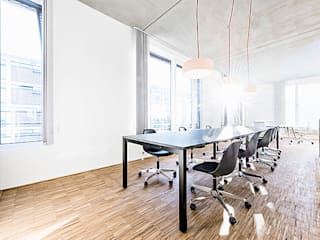 Büroloft:  Bürogebäude von Irene Neumann Fotografie