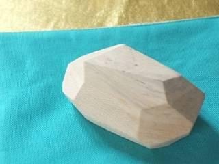 Presse -papier en bois :  de style  par les yeux bleus