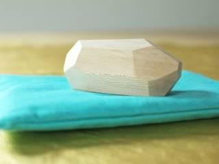 Presse -papier en bois par les yeux bleus Scandinave