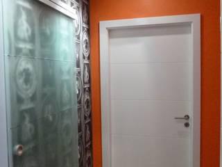 Maison Individuelle: Couloir et hall d'entrée de style  par Anne Bernard Architecte d'Intérieur