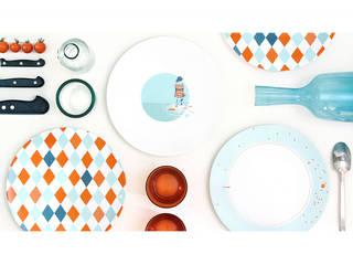 """Assiette graphique """"Les Pieds dans l'eau"""":  de style  par Petits Grains"""
