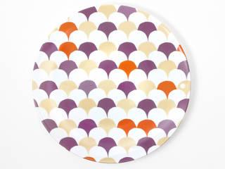 """Assiette motif graphique """"Le Lâcher de ballons"""":  de style  par Petits Grains"""