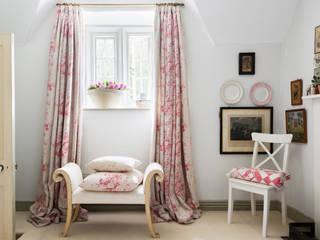 Puertas y ventanas de estilo rústico por Cabbages & Roses