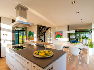 HUF HAUS GmbH u. Co. KG Modern Kitchen