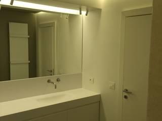 Salle de bain moderne par Costanzo1990 Moderne
