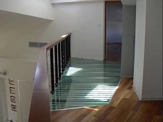 Planungsbüro GAGRO Modern Corridor, Hallway and Staircase