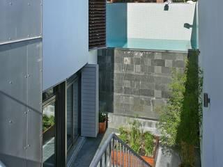 Jardins modernos por JoseJiliberto Estudio de Arquitectura Moderno