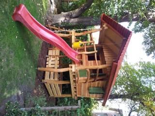 by Houtwerken - Spielgeräte 'Spielräume im traditionellen Holzbau'