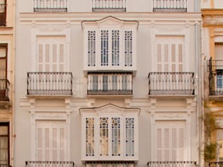 APARTMENTS DWELLING BUILDING Casas de estilo clásico de JoseJiliberto Estudio de Arquitectura Clásico