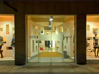 Tienda Kaiala.. Espacios comerciales de estilo moderno de Estudio TYL Moderno
