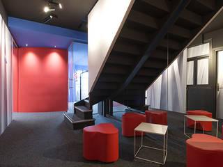 Oficinas SG Industrial.. Oficinas y tiendas de estilo moderno de Estudio TYL Moderno